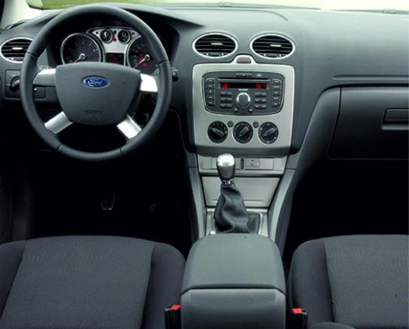 Ford Focus autóbérlés-debrecen-repülőtér-ford-focus-cabrio3-.jpg.jpg
