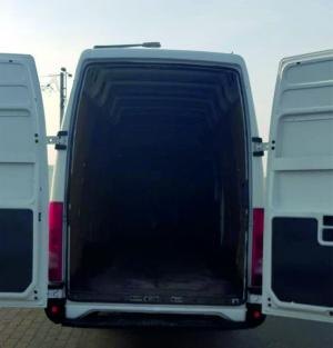 Iveco Daily iveco-teherauto-maxi-autoberles-debrecen-repuloter4.jpg.jpg