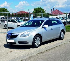 Opel Insignia Sports Tourer autóbérlés-debrecen-repülőtér-opel-insignia4..jpg.jpg