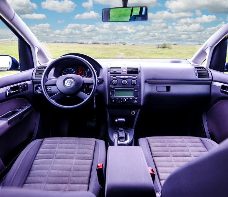 Volkswagen Touran autóbérlés-debrecen-volkswagen-touran4.jpg.jpg
