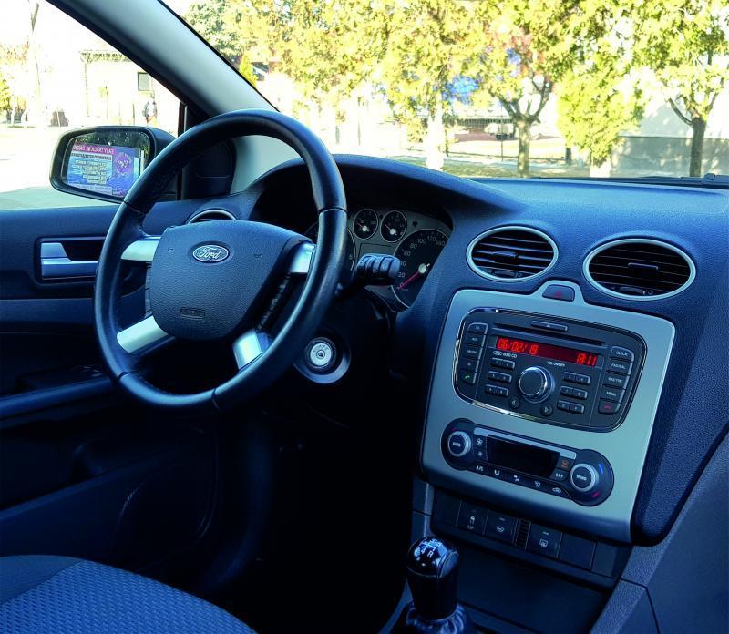 Ford Focus ford---focus---kombi--autoberles-debrecen--repuloter.jpg.jpg